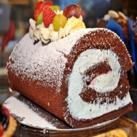 black-forest-swiss-roll-200
